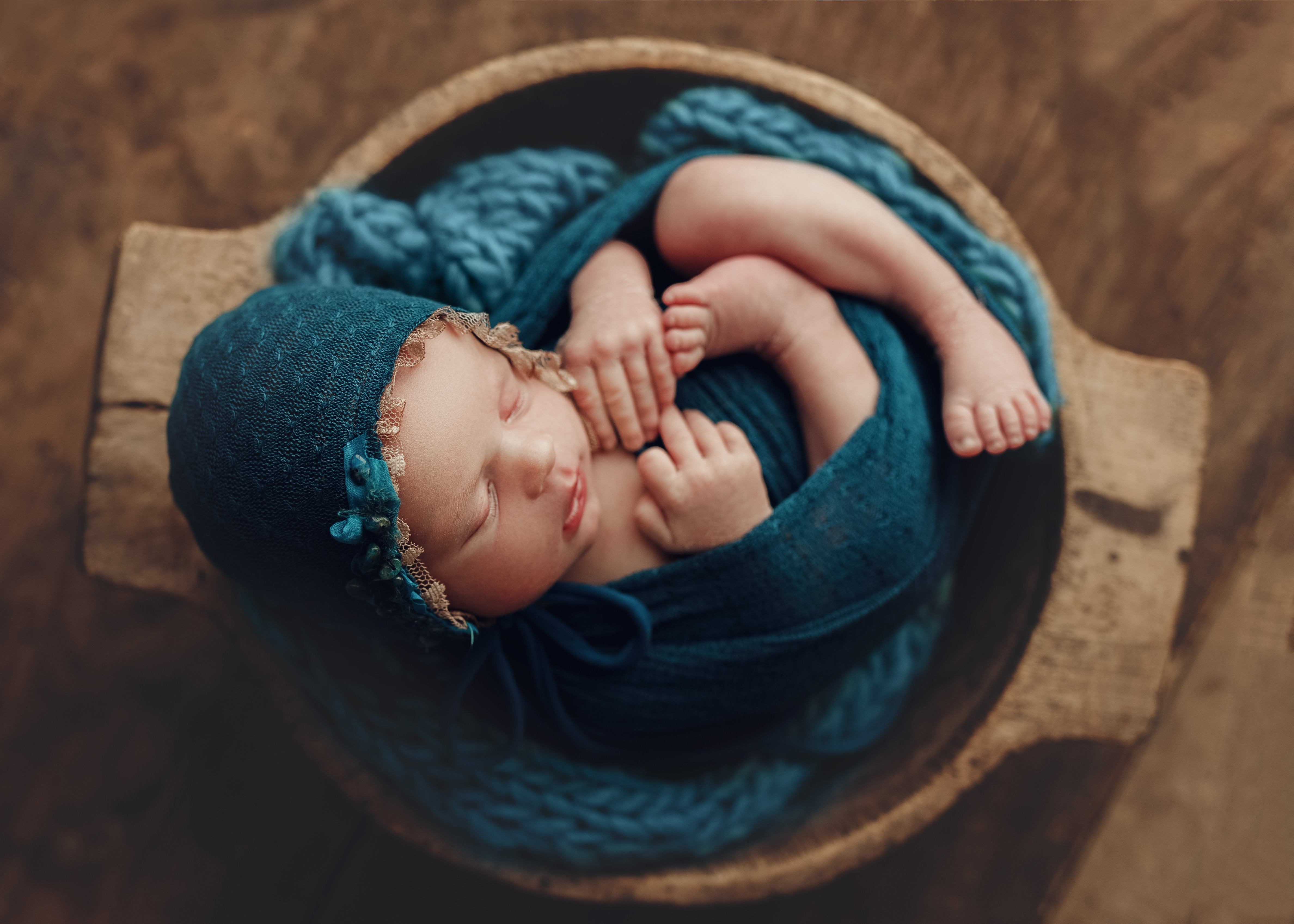 Gold Newborn Session 25 pictures