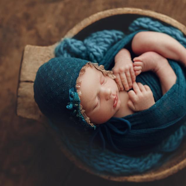 lilyofthevaley.newborn.photographer Dubl