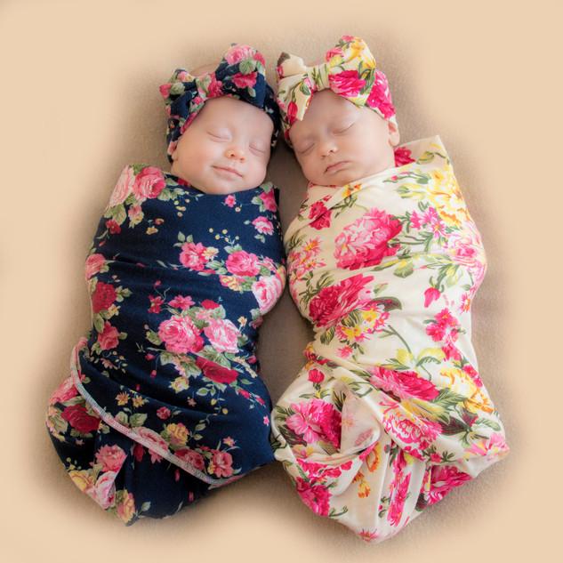 2018-11_Twins_Take Two_0246_Sm_New BAckg