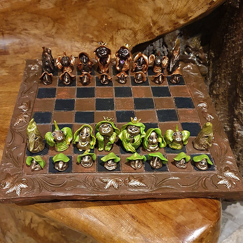 chess set handmade small forest creatures folk boswezentjes schaakspel handgemaakt