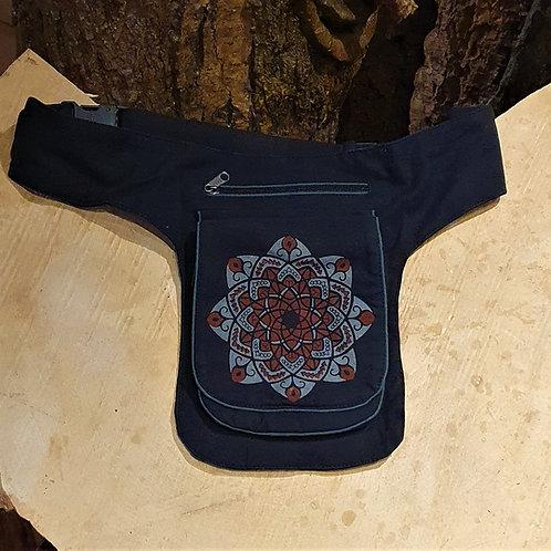 buideltasje belt pouch tree of life levensboom festival wear kleding asseccoires bag