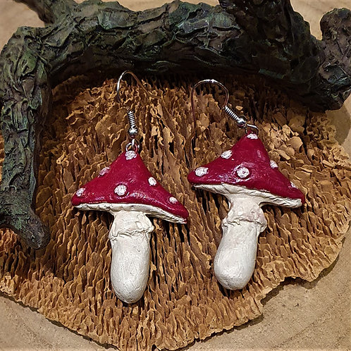 red mushroom earrings paddestoel oorbellen rood met witte stippen