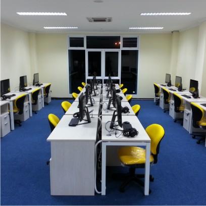 Layout Lab Bahasa Modern