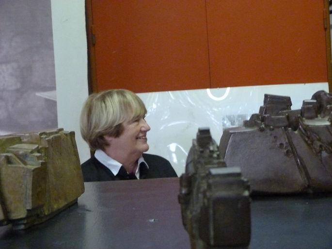 Claudie Amado, épouse de l'artiste Jean Amado sculpteur