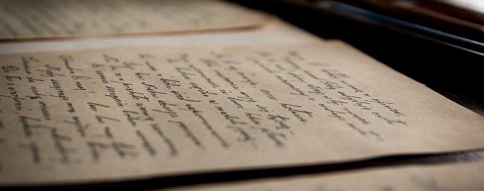 old-letters-436503_1920_edited.jpg
