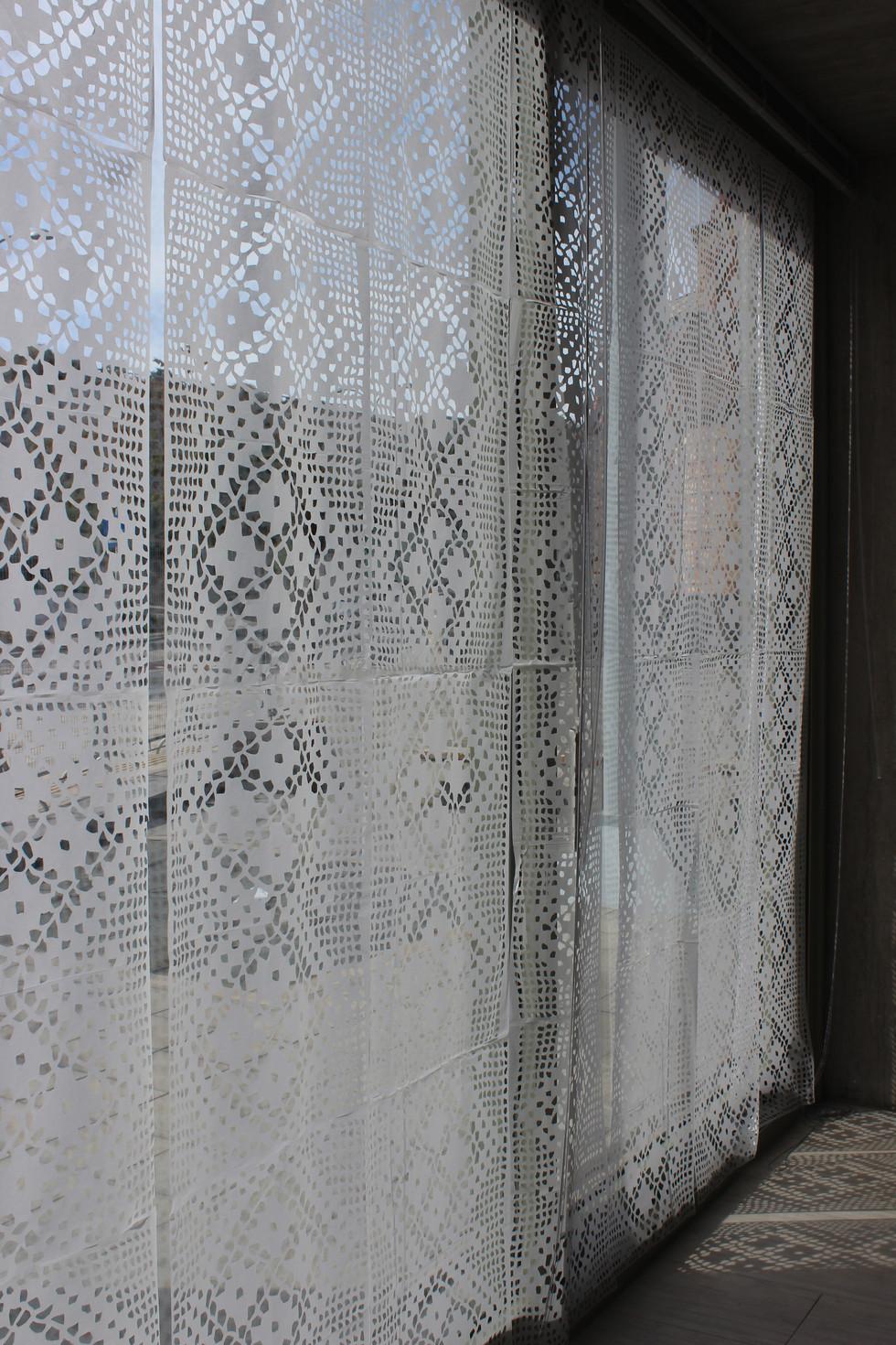 The Curtain-detail