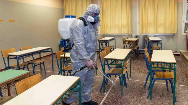Desinfecta las Escuelas