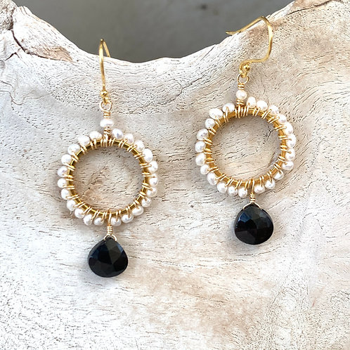 Freshwater Pearl with Onyx Round Drop Earrings