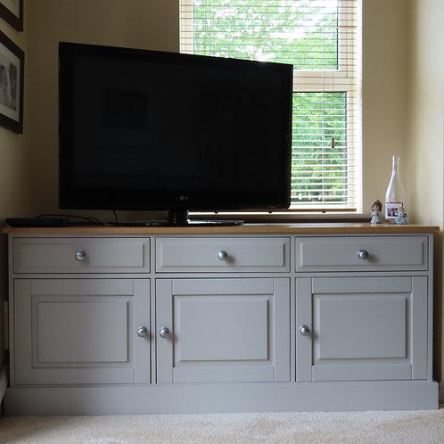 Fernwood Oak 3 Door Deluxe Sideboard