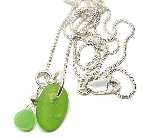 Green and semi stone necklace