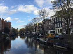 Beutiful canal view of Amsterdam.JPG