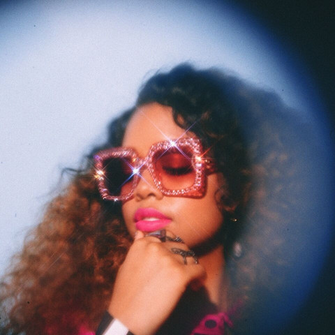 """Crowd is Infatuated by H.E.R. in """"Every Kind of Way"""" at House of Blues"""