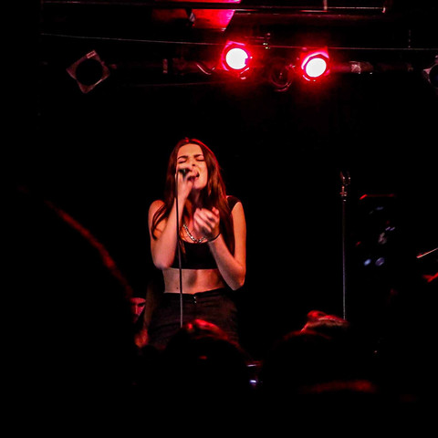 Charlotte Lawrence Brings 'Young' Energy to Great Scott