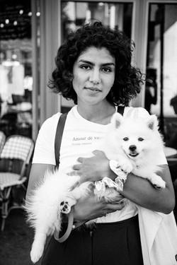 La jeune femme et le chien
