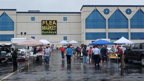 How does weather affect the flea market?