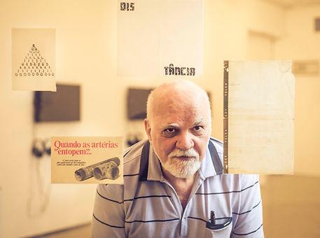 10Paulo-Bruscky_Foto-Rafael-Roncato.jpg
