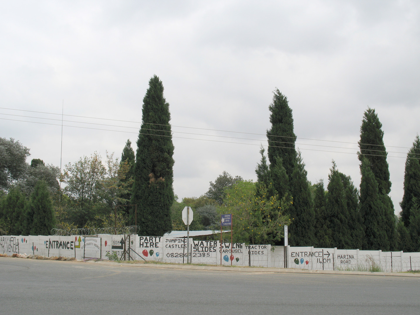 Advertising Wall, Cosmo City