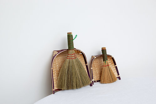 Table brush and dust pan