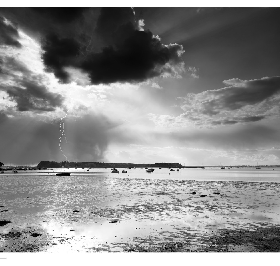 Poole-lightning-limited-mono-712-x-495mm