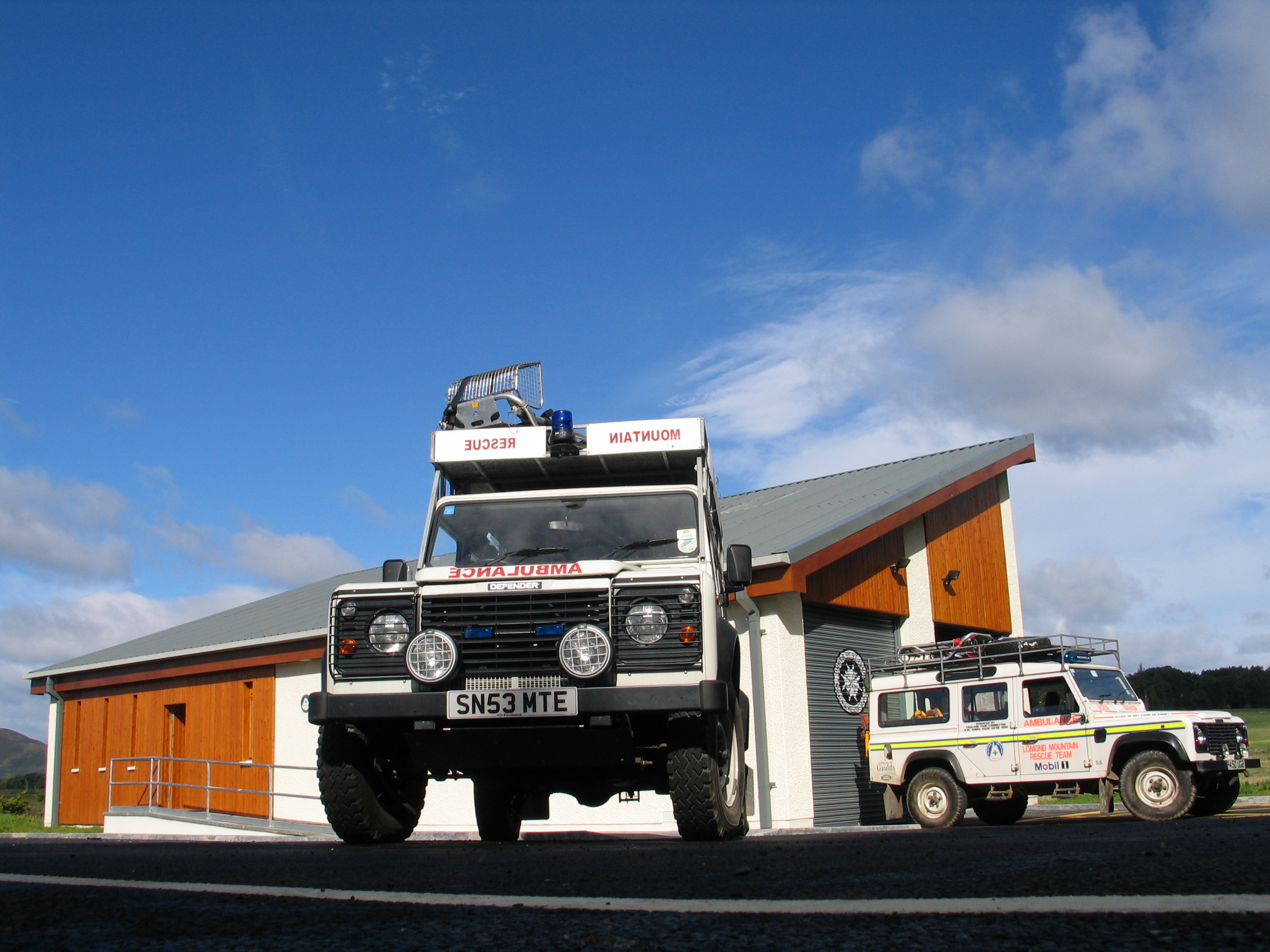Lomond Post and Land Rovers