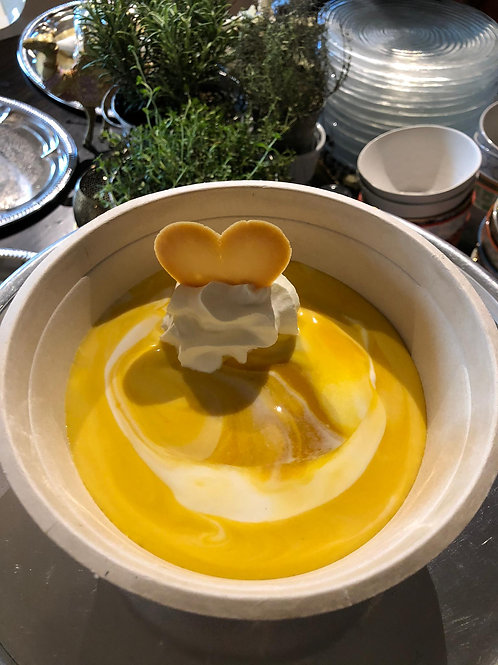 Hausgemachte Mangocréme mit frischen Mango