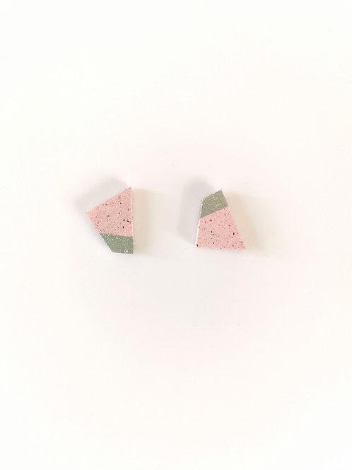 zsanettkincses // Beton kis füli rózsaszín négyzet