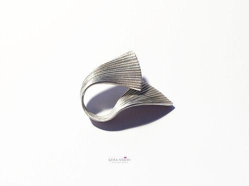 Gera Noémi Jewellery // Elnyújtózó GINGKO gyűrű