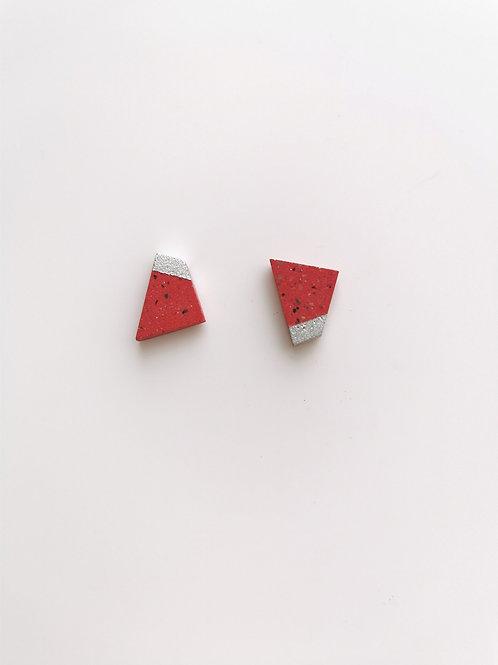 zsanettkincses // Beton kis füli piros négyzet