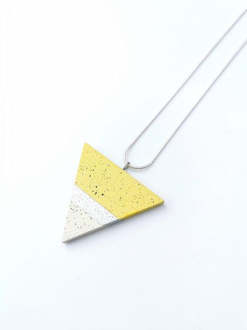 zsanettkincses // Háromszög nyaklánc sárga