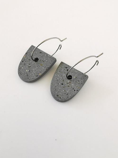 zsanettkincses // Geolo Concrete pajzs karikával