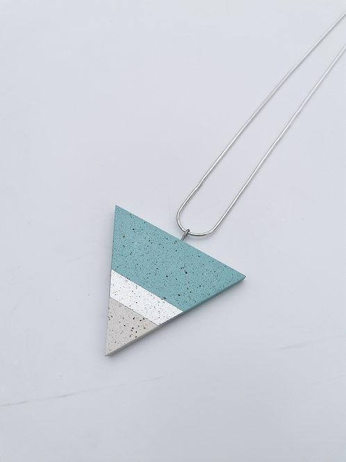 zsanettkincses // Háromszög nyaklánc türkiz