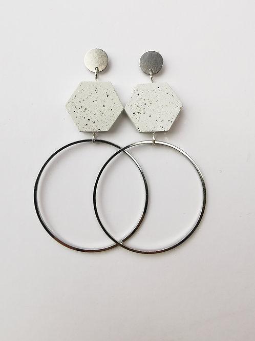 zsanettkincses // Geolo Concrete ezüst karika fehér hatszög