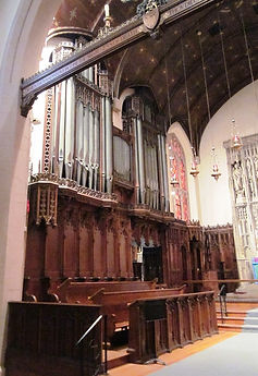 TourPhoto25_Choir-with-chancel-organ.jpg