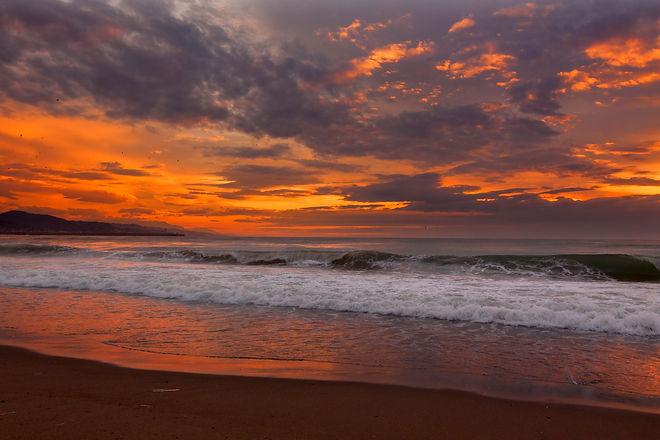 Red_sky_sunset_(Unsplash).jpg