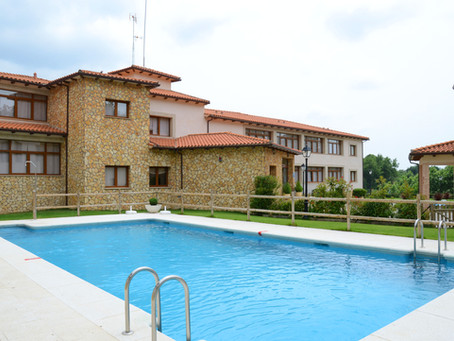 A piscina do Hotel Mirador de la Portilla