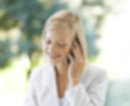 Frau amTelefon