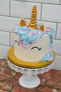 Gold and Pastel Unicorn Cake3