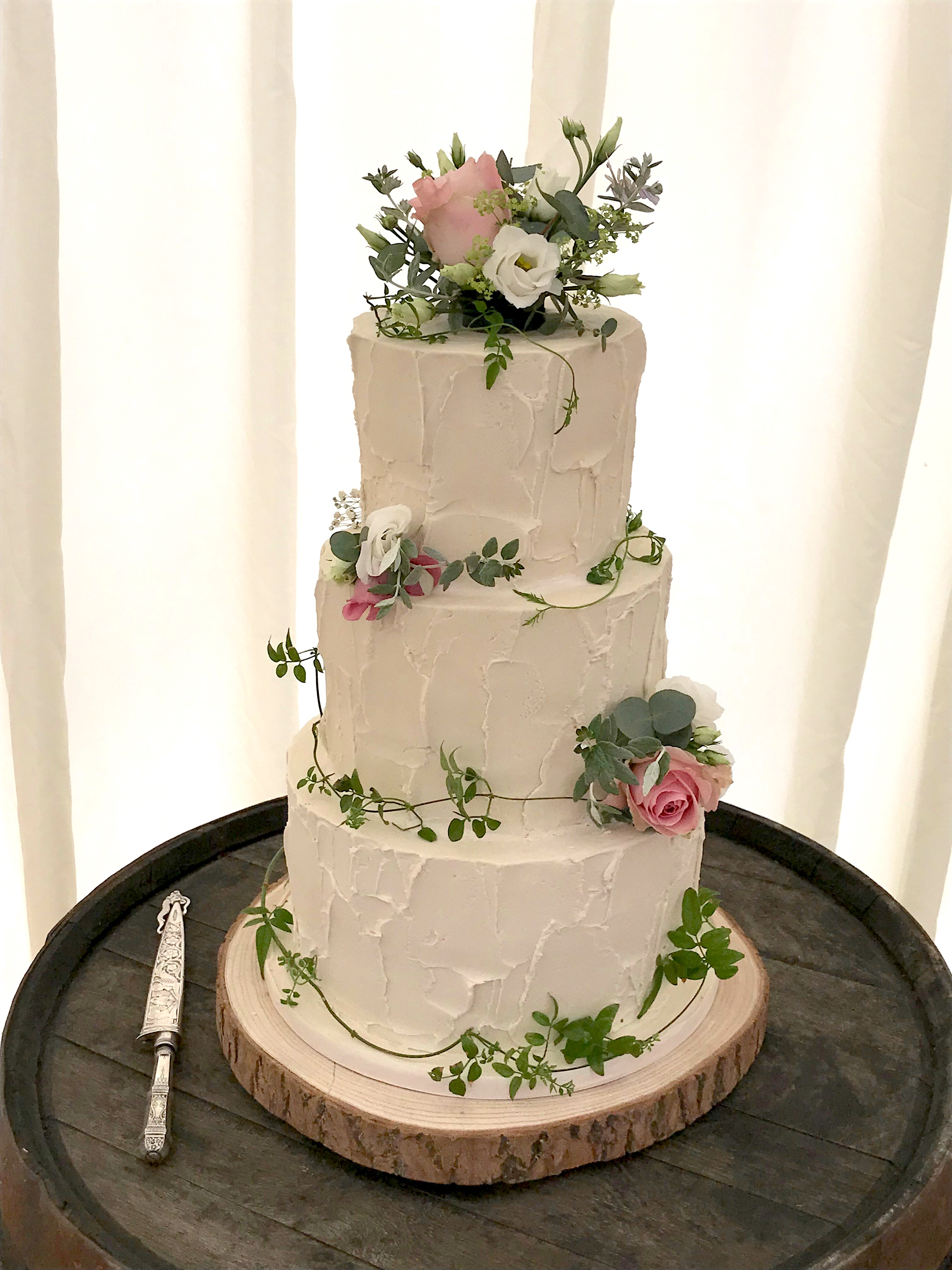 White Rustic Buttercream Wedding Cake wi