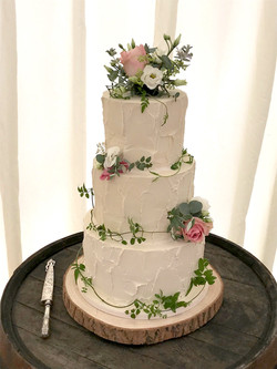 White Rustic Buttercream Wedding Cake wi