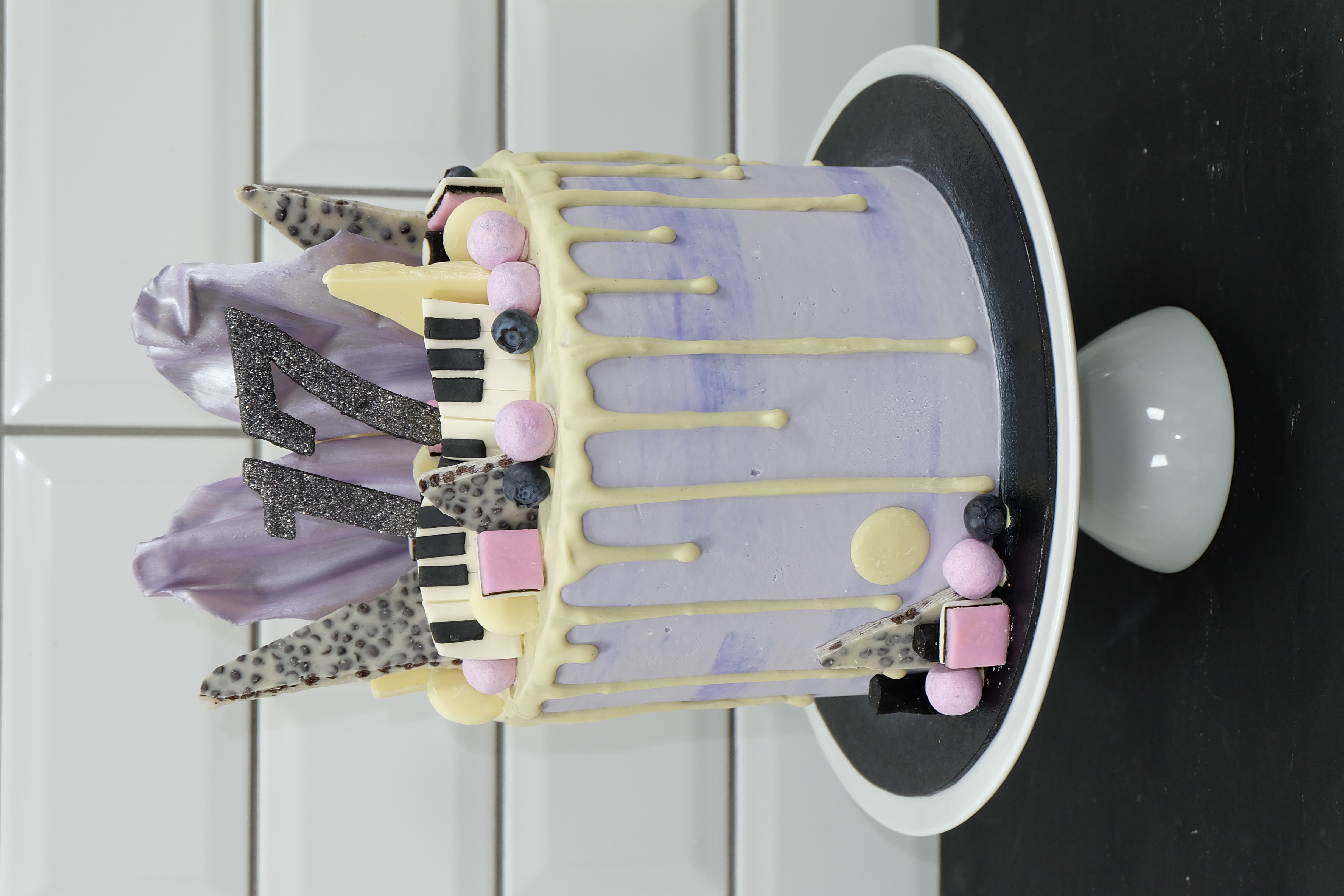 Piano purple drip cake