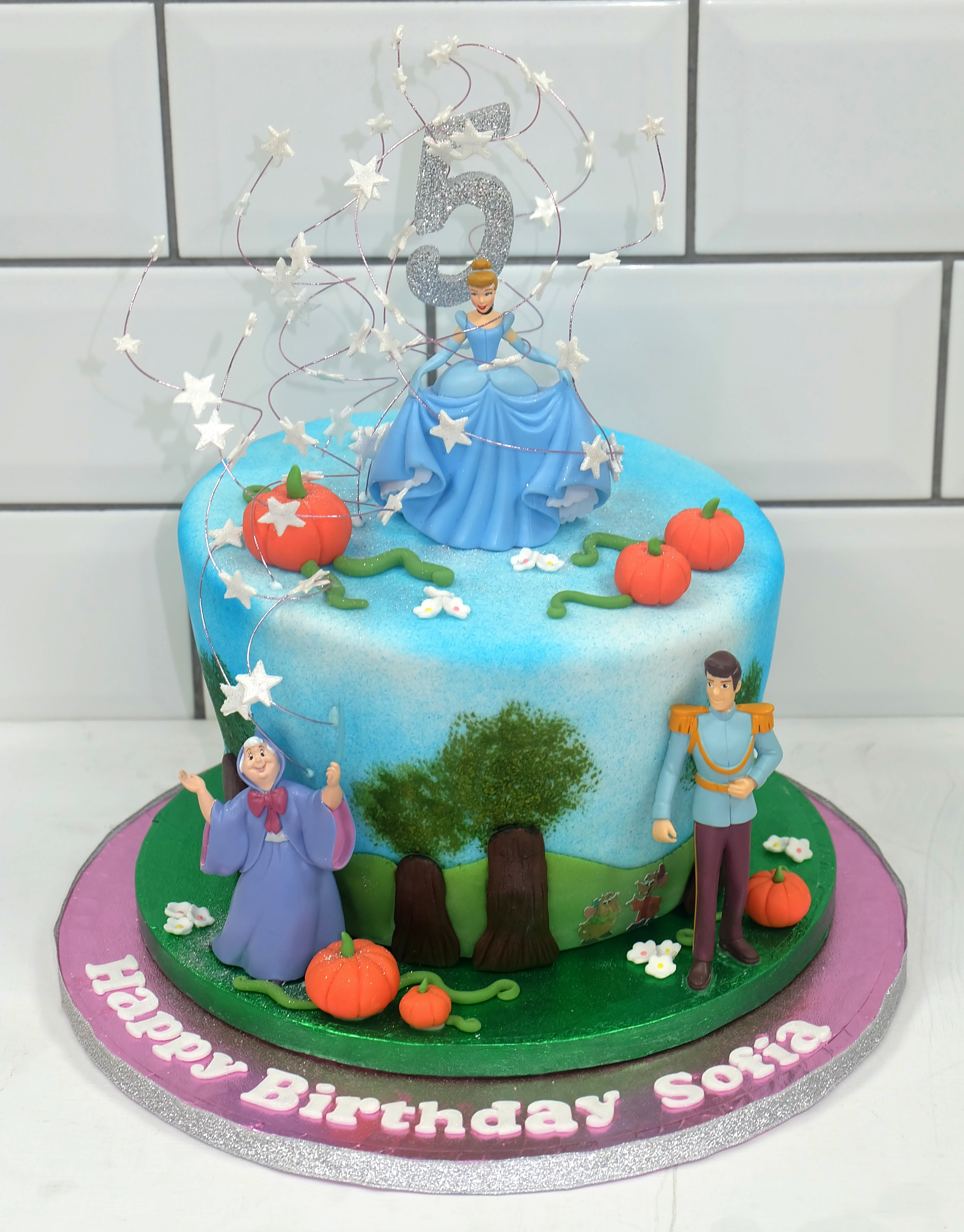 Cinderella%20Birthday%20Cake_edited