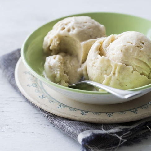 BANANA AND HONEY ICE CREAM RECIPE. No need of an ice cream maker