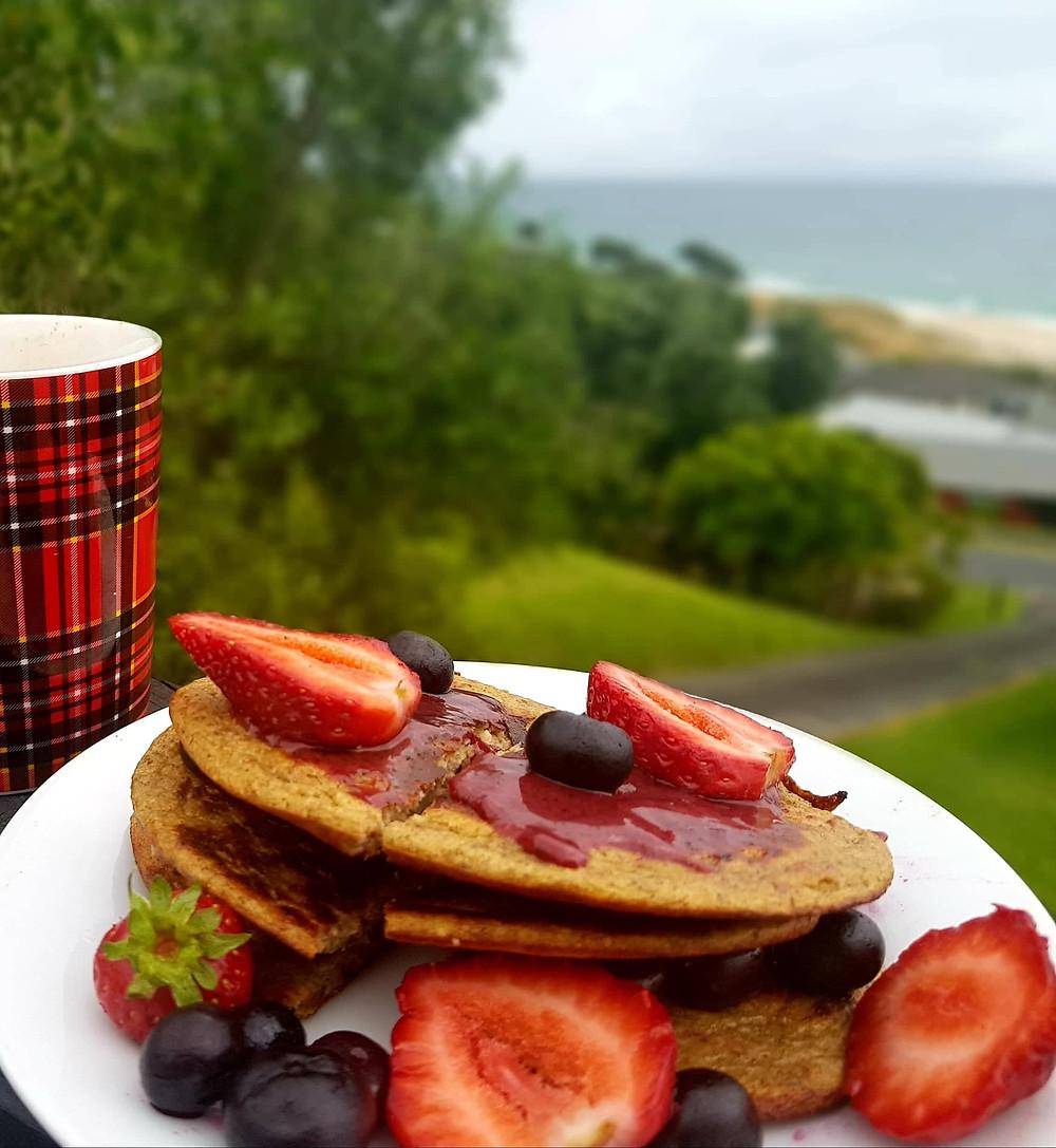 Healthy Pancake with Bleuberries, Manuka Honey,