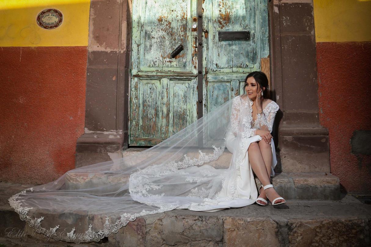 Bride & Doors San Miguel de Allende