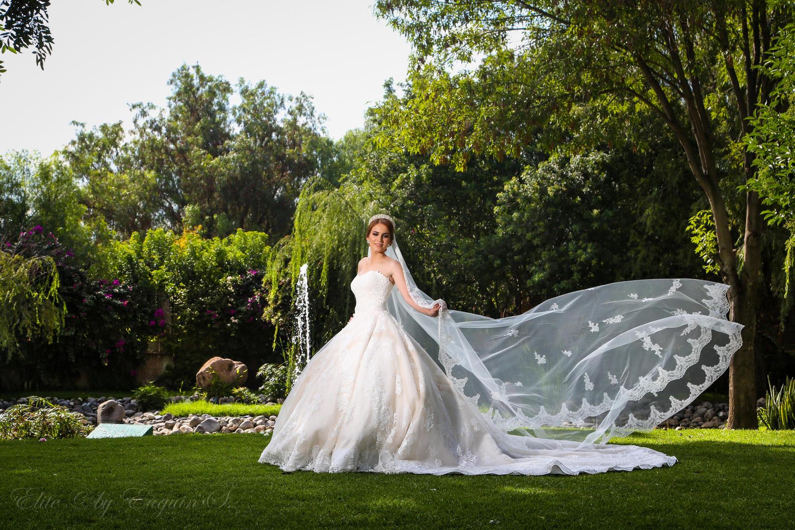 Real de Minas garden wedding photos San Miguel