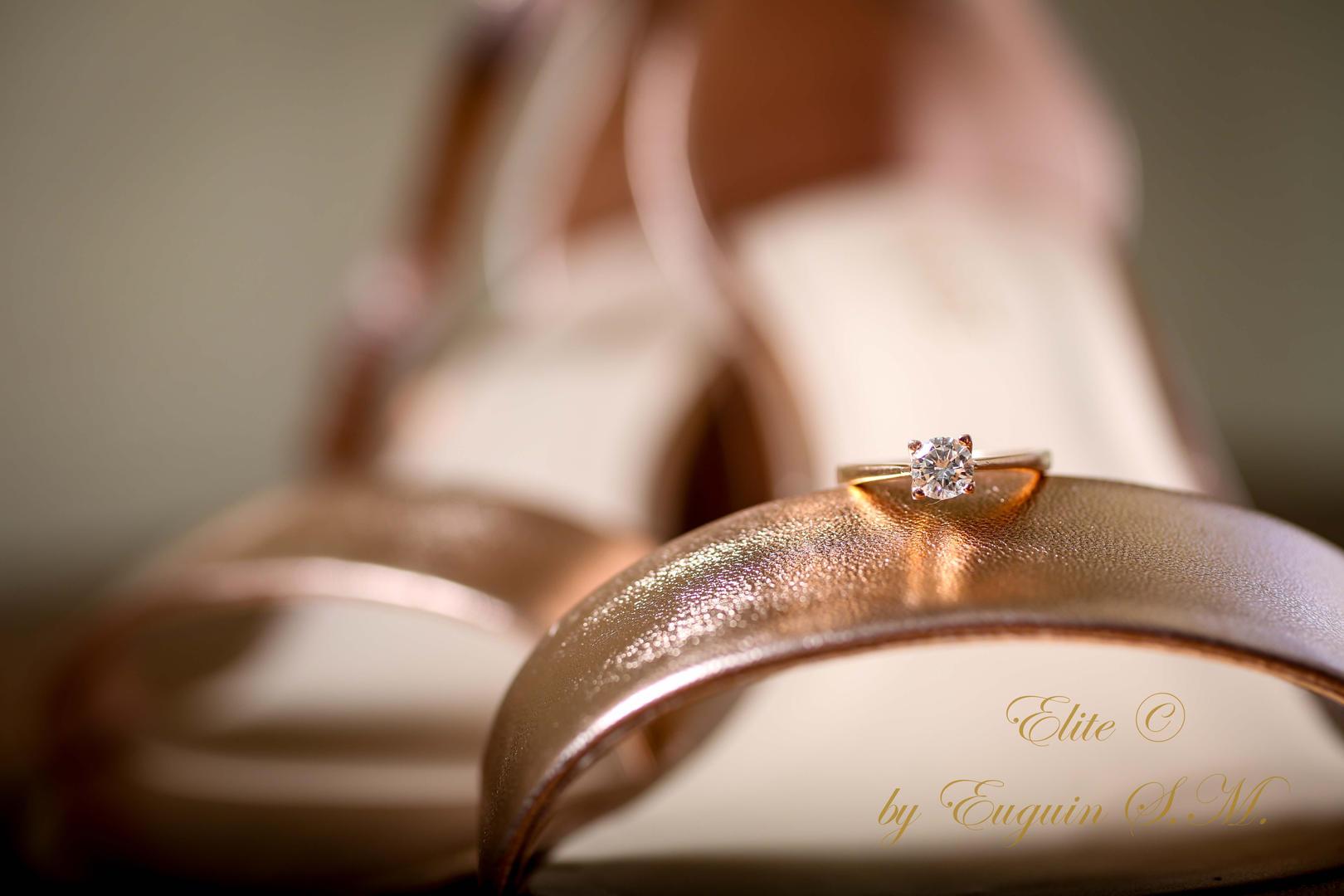 Real de Minas wedding venue Engagement ring getting ready wedding photography