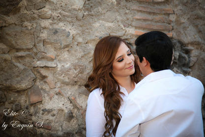 Engagement session couple San Miguel de Allende