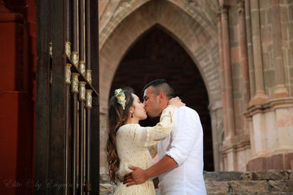 Engagement session couple parroquia San Miguel de Allende
