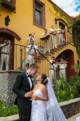 San Miguel de Allende Professional wedding photography by Euguin S M