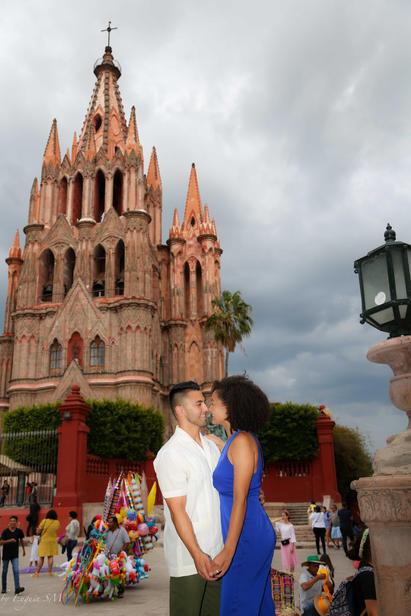 pareja de novios compromiso San Miguel de Allende